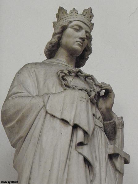 Statue of St. Louis IX in Notre Dame Church of St-Vincent de Lyon