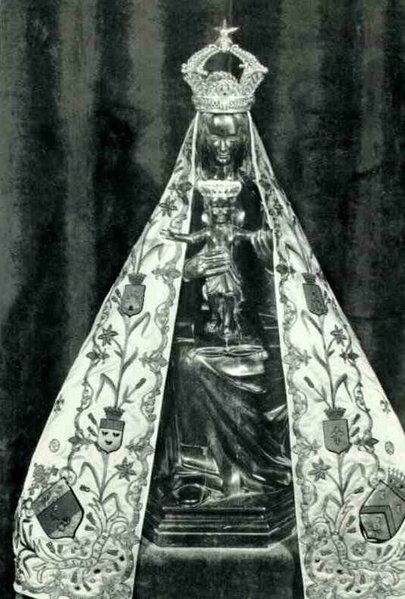 Notre-Dame de Liesse Statue