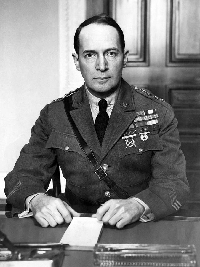 General Douglas A MacArthur The Complete Life Of General Douglas A MacArthur Through His Own Words