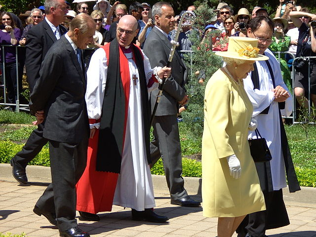 Queen Elizabeth II and the Anglican Bishop of Canberra and Goulburn. Photo by Peter Ellis