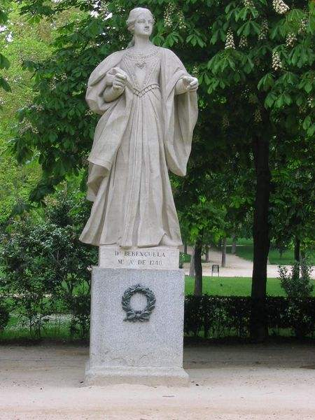 Statue of Doña Berenguela of León y Castilla at the Paseo de la Argentina in the Retiro Park in Madrid, Spain.