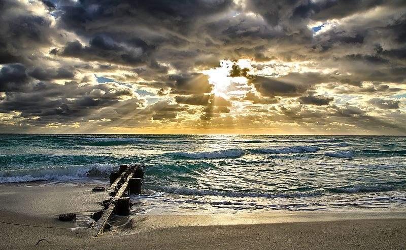 Photo of Miami south beach at sunrise by Bjornsphoto.