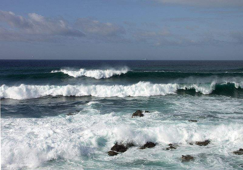 Photo of the Ocean at Porto Covo on the west coast of Portugal taken by Alvesgaspar.