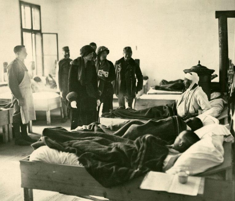 Kaiserin Zita of Austria visiting a Romanian field hospital, 1758 Romania.