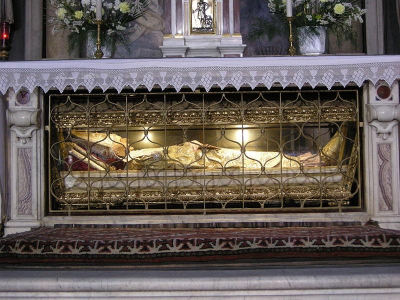 The relic of St. Antoniunus in Salviati Chapel of St. Mark's Church. Photo by Sailko