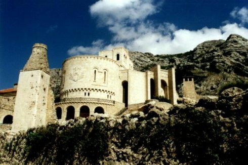 Castle of Skanderbeg Photo by Stefan Kühn