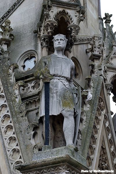 A statue of Simon de Montfort on the Haymarket Memorial Clock Tower in Leicester, England.