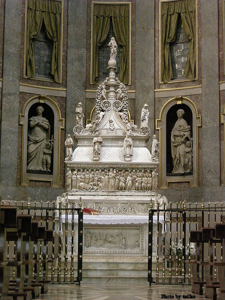Called the Ark of Saint Dominic, contains the remains of St. Dominic, in St. Dominic's Chapel in the Basilica of San Domenico in Bologna, Italy