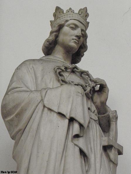 Statue of St. Louis IX in Notre Dame Church of St-Vincent de Lyon