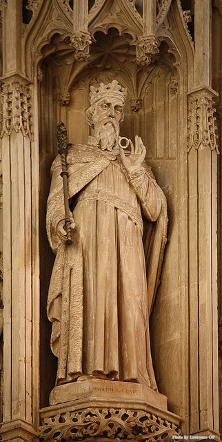 Statue of St. Edward the Confessor in St Alban's Cathedral.
