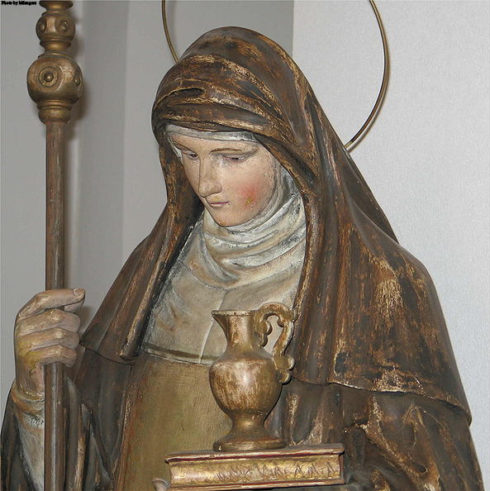 Statue of Saint Walpurga in the church of Contern, Luxembourg.