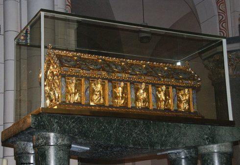 The tomb of St. Heribert in Köln-Deutz.