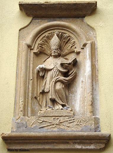 Statue of St. Arnulf of Metz