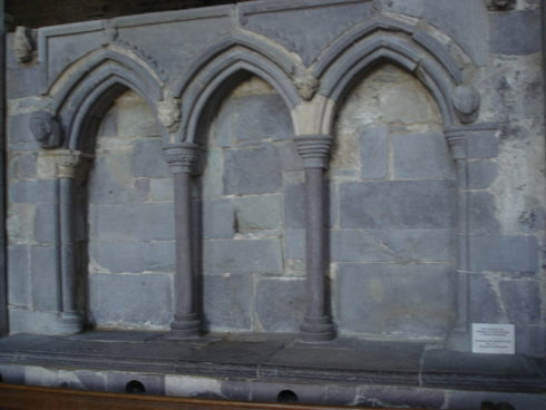 Shrine of St David. The relics of St David and St Justinian were kept in a portable casket at St David's Cathedral. During the reformation Bishop Barlow (1536–48), a staunch Protestant, stripped the shrine of its jewels and confiscated the relics of St. David and St. Justinian.