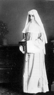 Photo of Bl. Maria Droste as a novice.
