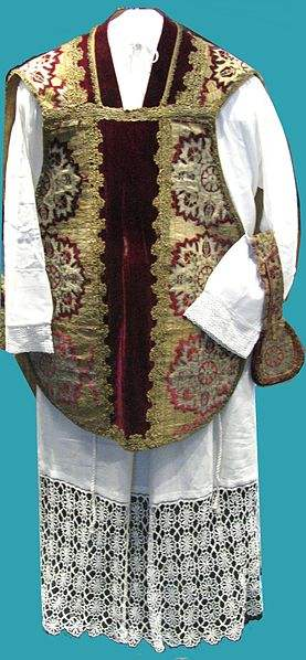 Chasuble sewn with Turkish tents captured by Polish Army in Vienna 1683. Photo by Mathiasrex