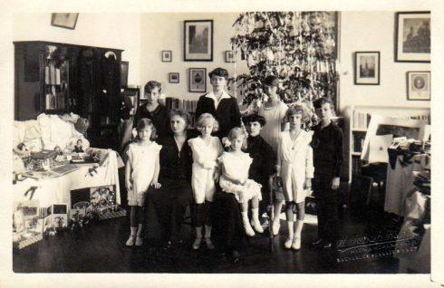 Austrian Empress Zita in exile with children.