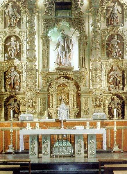 Altar with statue and reliquary of Marcellus in the church of San Marcelo in León.