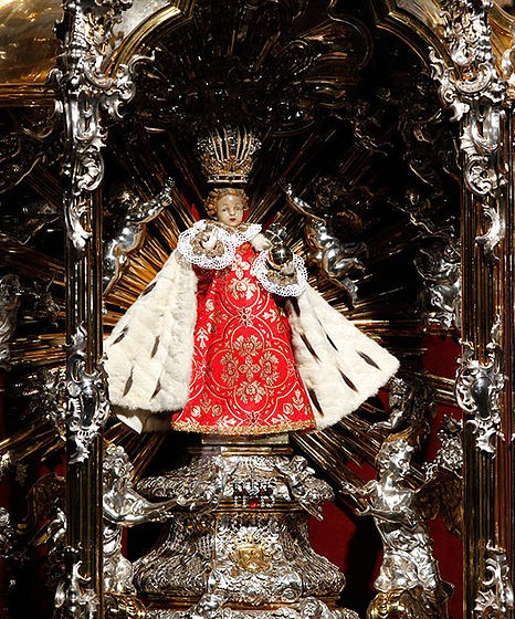 Infant Jesus of Prague given by Princess Polyxena von Lobkowicz to the Discalced Carmelites in 1628, in the Carmelite Church of Our Lady Victorious in Prague. Photo by Jayarathina