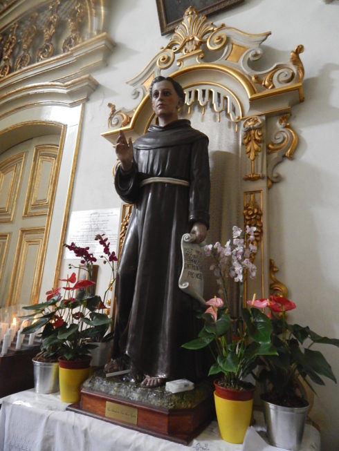 Statue of Saint Antônio de Sant'Anna Galvão