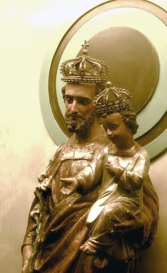 Crowned St. Joseph and the Child Jesus at St. Joseph Oratory of Mount Royal, Montreal, Canada.