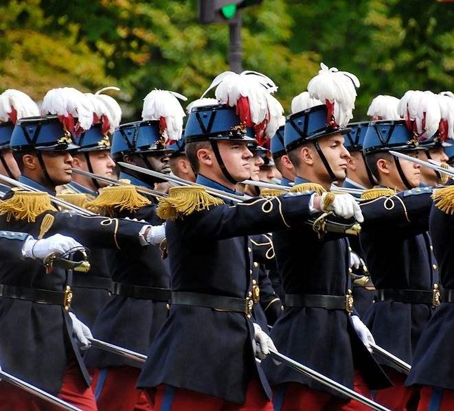 Cadets of the 2004-2007 class of the  École Spéciale Militaire de Saint-Cyr. Photo by Marie-Lan Nguyen