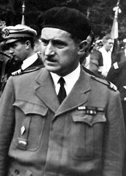 In 1942, under the name of Claude, she became the liaison officer, Commander Paul Chenailler (1904-1960), future companion of the Liberation.