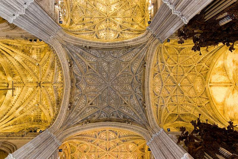 Details of vaults in front of main chapel in Seville Cathedral, Spain. Photo by Pom²