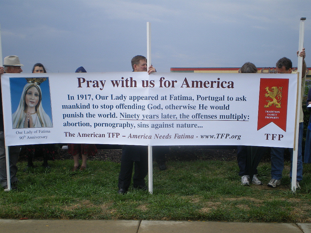 One of the many Rosary Rallies held throughout the US, praying for our country.