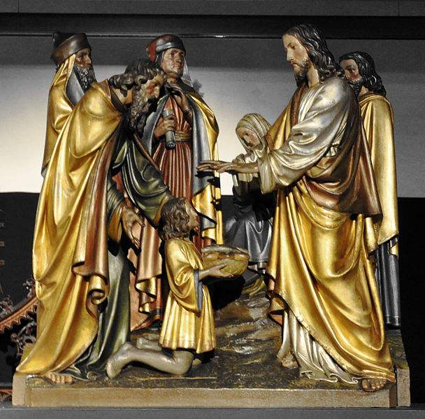 Miracle of the multiplication of the loaves and fishes. Statue in Ravensburg depicting Our Lord blessing the loaves.