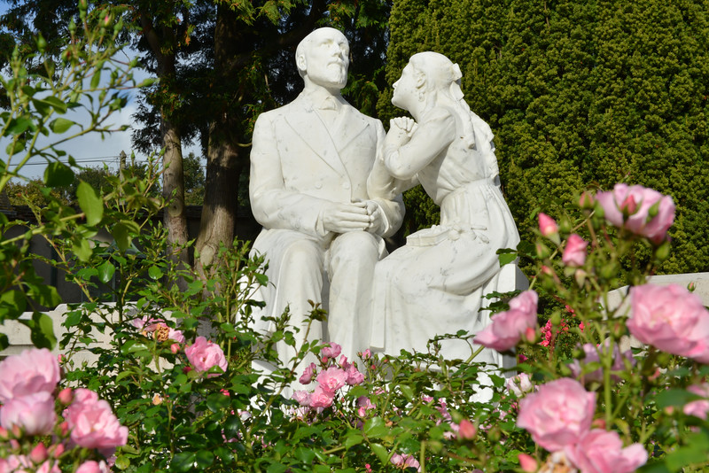 Statue of St. Therese and her father
