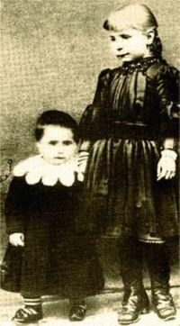 St Gemma Age 7 with her younger sister Angelina.