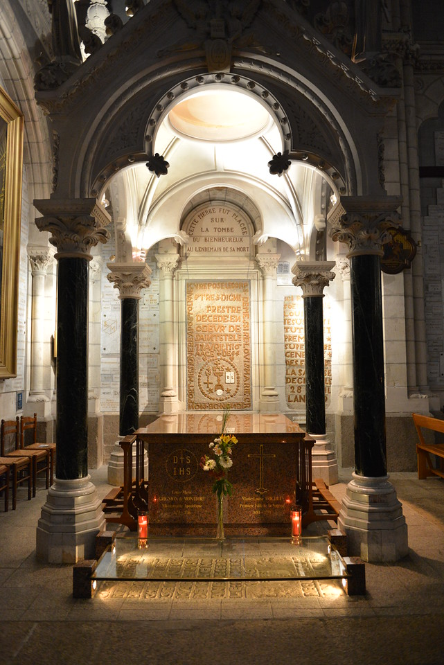 The tomb of Saint Louis de Montfort, where his remains were moved after his canonization.