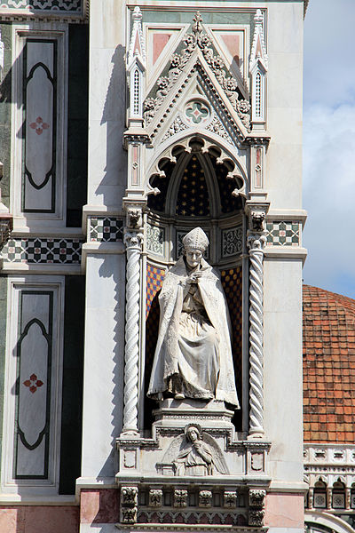 Statue of St. Antoninus. Photo by Sailko