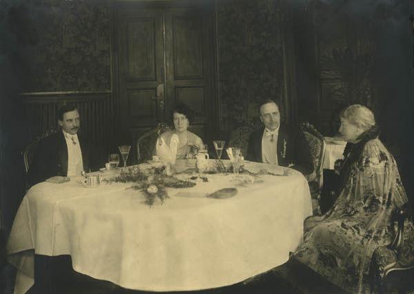 Maria von Guttenberg, with her three children. Georg Enoch is to her right.