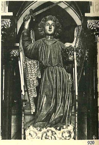 Guardian Angel with sword and crown. Work in 1466, destroyed in 1936, during the Spanish Civil War. It was commissioned by the city of Barcelona to commemorate the end of plague.